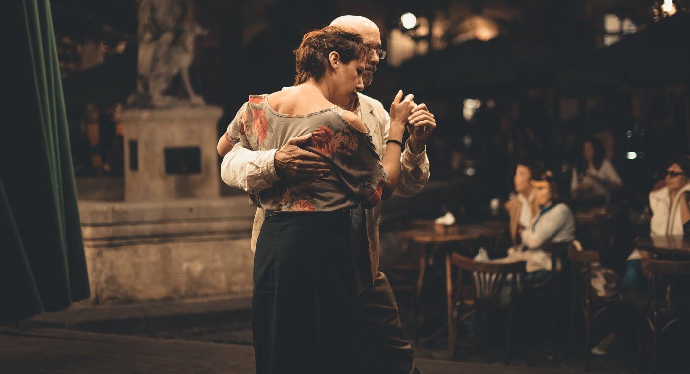 Dancing image